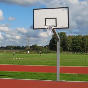 Street basketball van staal