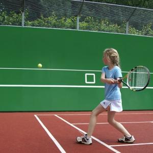 Tennis of voetbalwand